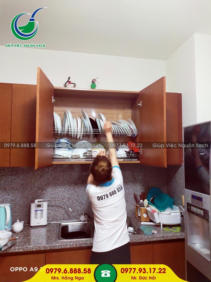 Cung cấp người giúp việc cho khách hàng tại chung cư 43 Phạm Văn Đồng