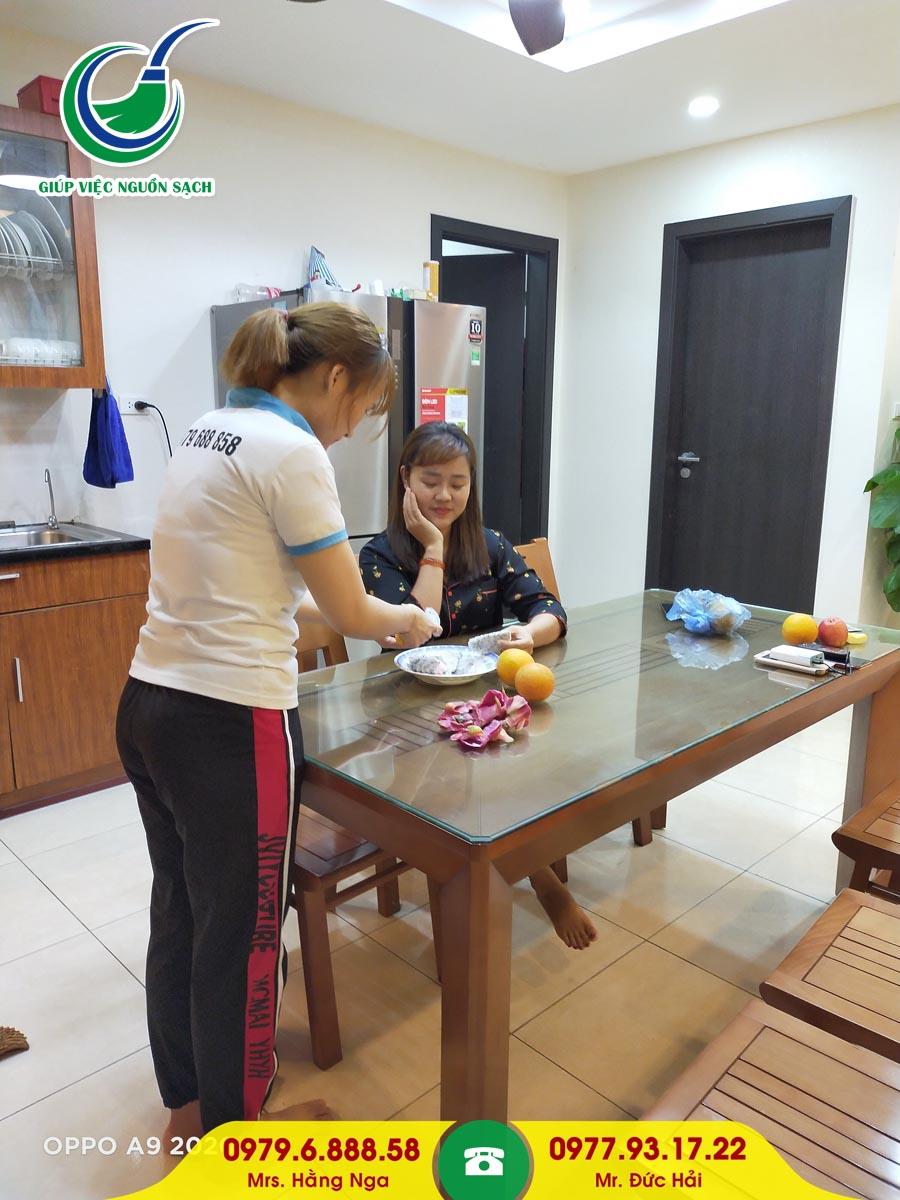Thuê giúp việc ăn ở lại tại Hà Nội