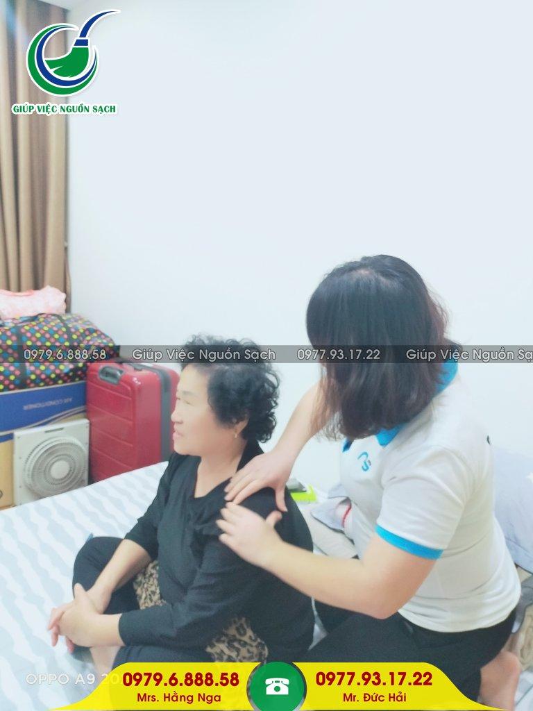 Giá giúp việc nhà chăm người già tại Hà Nội