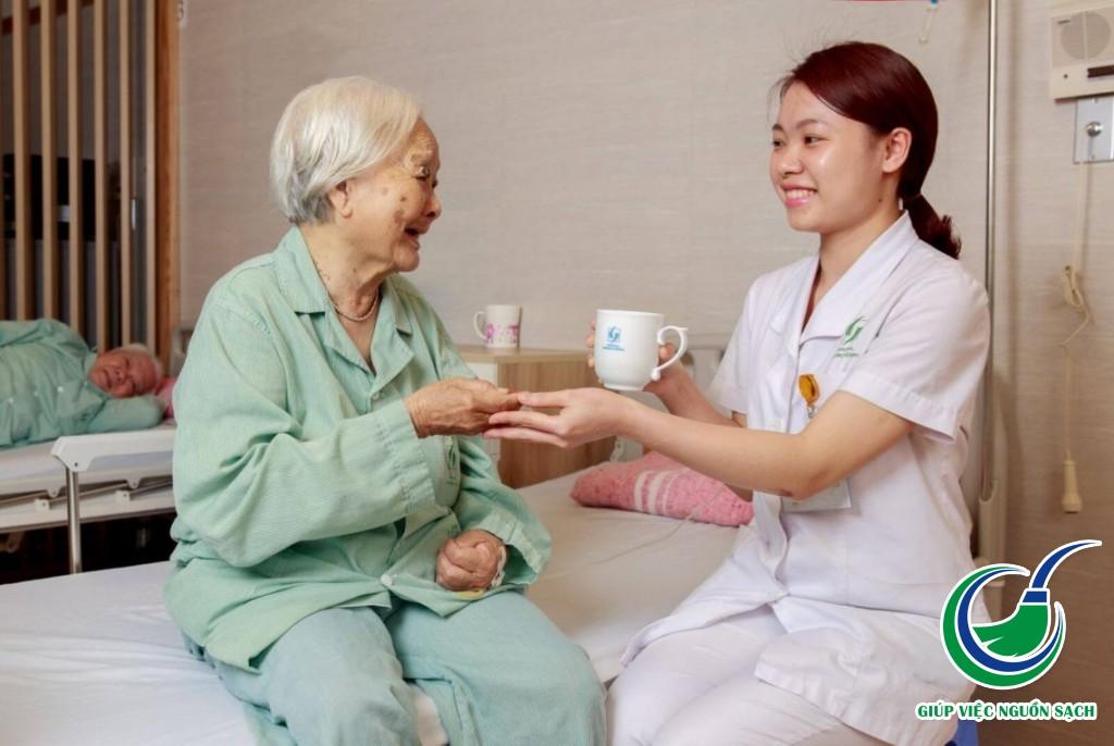 Cung cấp giúp việc gia đình chăm cụ già